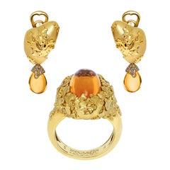 Citrine Champagne Diamonds 18 Karat Yellow Gold Moss Suite
