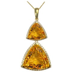 Citrine 28.90 Carats Yellow Gold Pendant Necklace