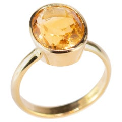 Citrine Quartz 18 Karat Yellow Gold Amber Solitaire Oval Cabochon Cocktail Ring