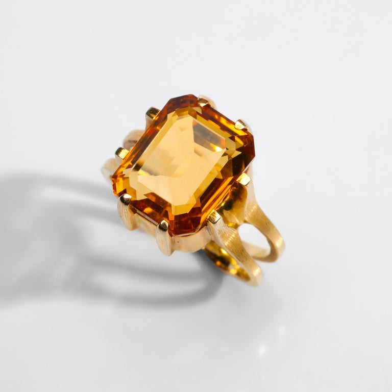 Citrine Ring of Superior Quality and Depth Midcentury For Sale 5