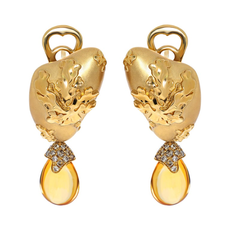 Citrines 6.17 Carat Champagne Diamonds 18 Karat Yellow Gold Moss Earrings For Sale