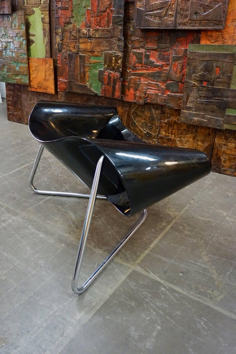 CL9 Ribbon Chair by Leonardi and Stagi In Excellent Condition For Sale In Cathedral City, CA