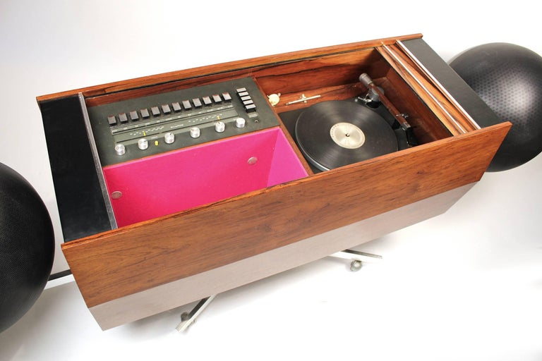 Clairtone Project G-1 Model T10 Rosewood Stereo System In Excellent Condition For Sale In Dallas, TX