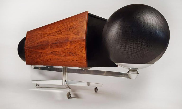 Clairtone Project G 1 T4 Rosewood Stereo System First Generation by Hugh Spencer In Good Condition For Sale In Dallas, TX