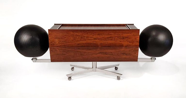 20th Century Clairtone Project G 1 T4 Rosewood Stereo System First Generation by Hugh Spencer For Sale