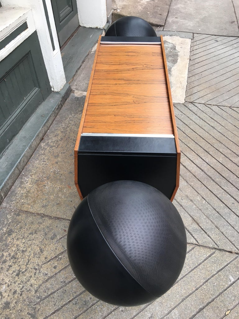 Clairtone T10 Designed by Hugh Spencer In Good Condition In Philadelphia, PA