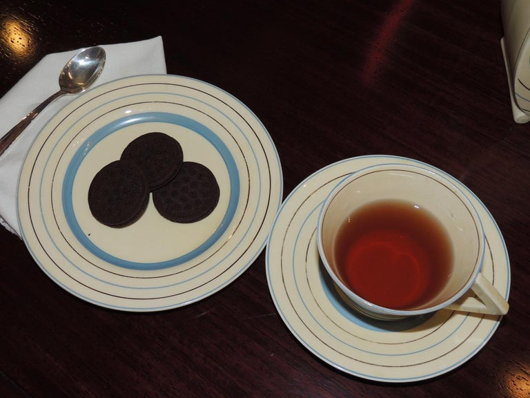 Clarice Cliff Art Deco Tea and Coffee Set for Eight For Sale 1