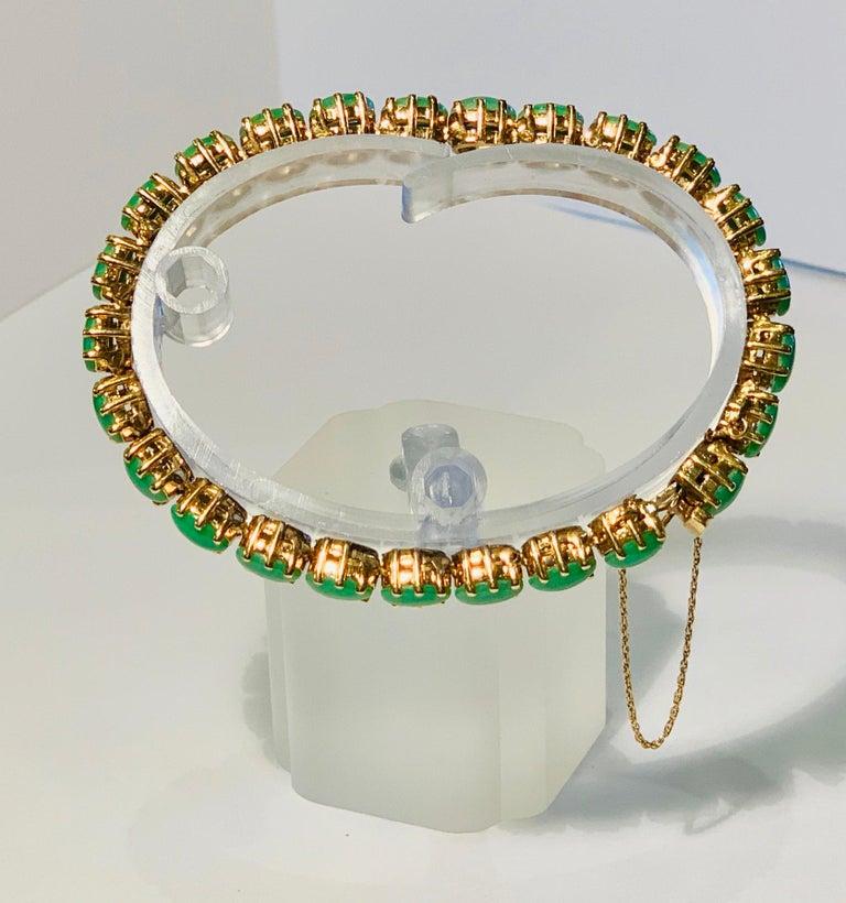 Classic 15.75 Carat Apple Green Jade Yellow Gold Cabochon Tennis Bracelet For Sale 11