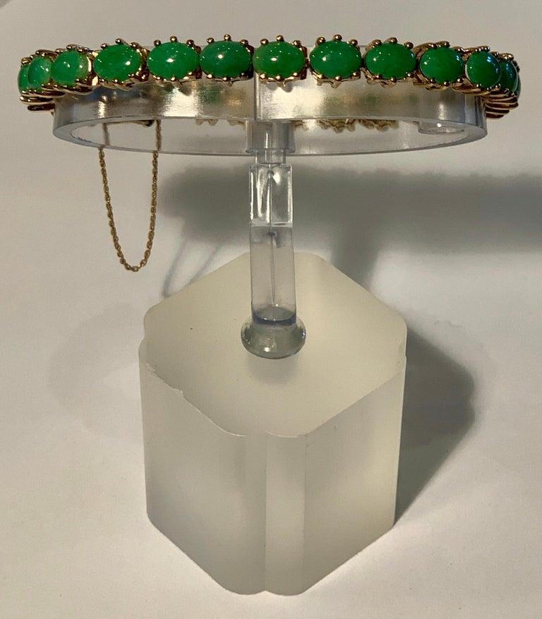 Classic 15.75 Carat Apple Green Jade Yellow Gold Cabochon Tennis Bracelet For Sale 12