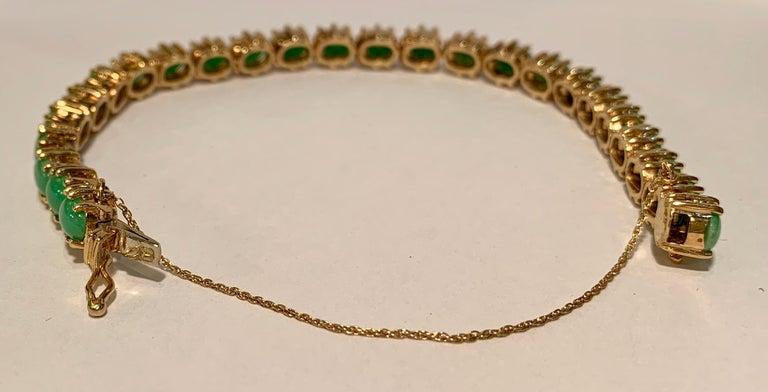 Classic 15.75 Carat Apple Green Jade Yellow Gold Cabochon Tennis Bracelet For Sale 13