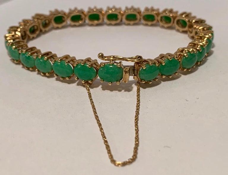 Women's Classic 15.75 Carat Apple Green Jade Yellow Gold Cabochon Tennis Bracelet For Sale