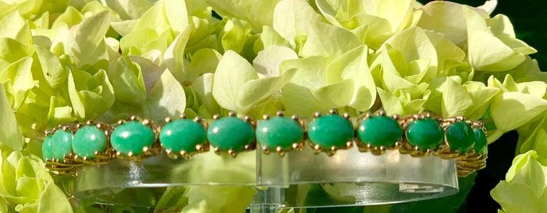Classic 15.75 Carat Apple Green Jade Yellow Gold Cabochon Tennis Bracelet For Sale 4