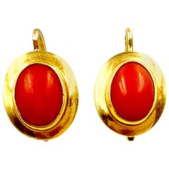 Classic 18 Karat Yellow Gold and Red Coral Oval Earrings, Italy, 20th Century