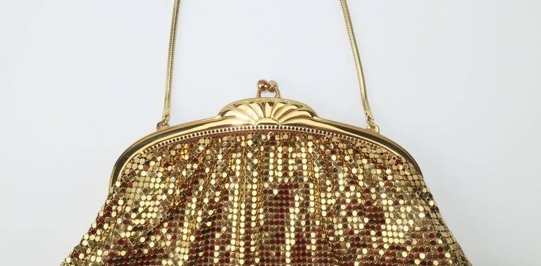 Women's Classic 1950's Whiting & Davis Gold Mesh Evening Handbag For Sale