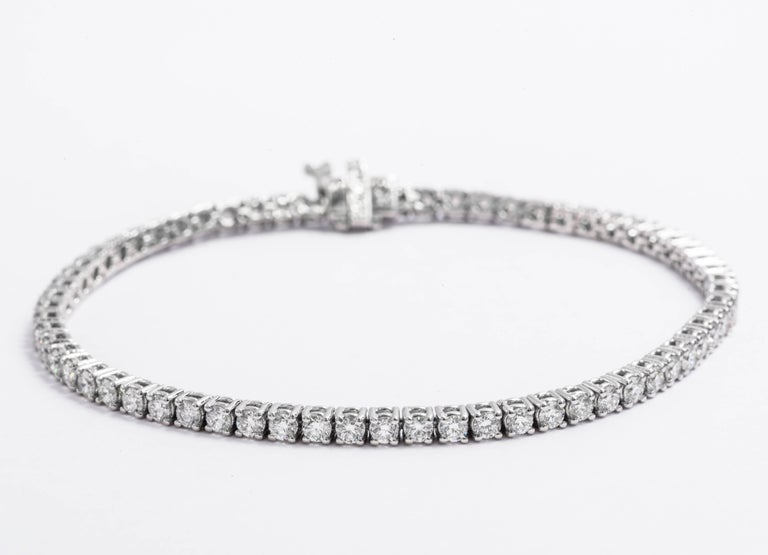 Total Weight: 4.00 Cts. Color: : G-H Clarity: VS2/SI1 57 Diamonds. Our jewelry are high quality, the diamonds are perfectly matched by our expert gemologists. our prices are whole-seller prices.