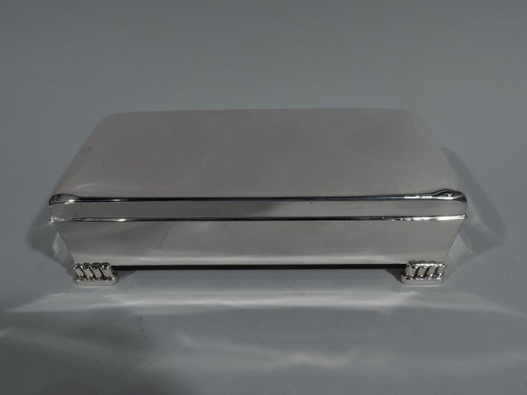 Classic American Mid-Century Modern Sterling Silver Box by Poole In Excellent Condition For Sale In New York, NY