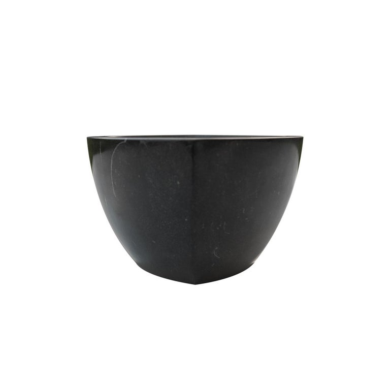 Classic and Luxurious Black Khenifra Marocain Marble Mortar Eye For Sale 1