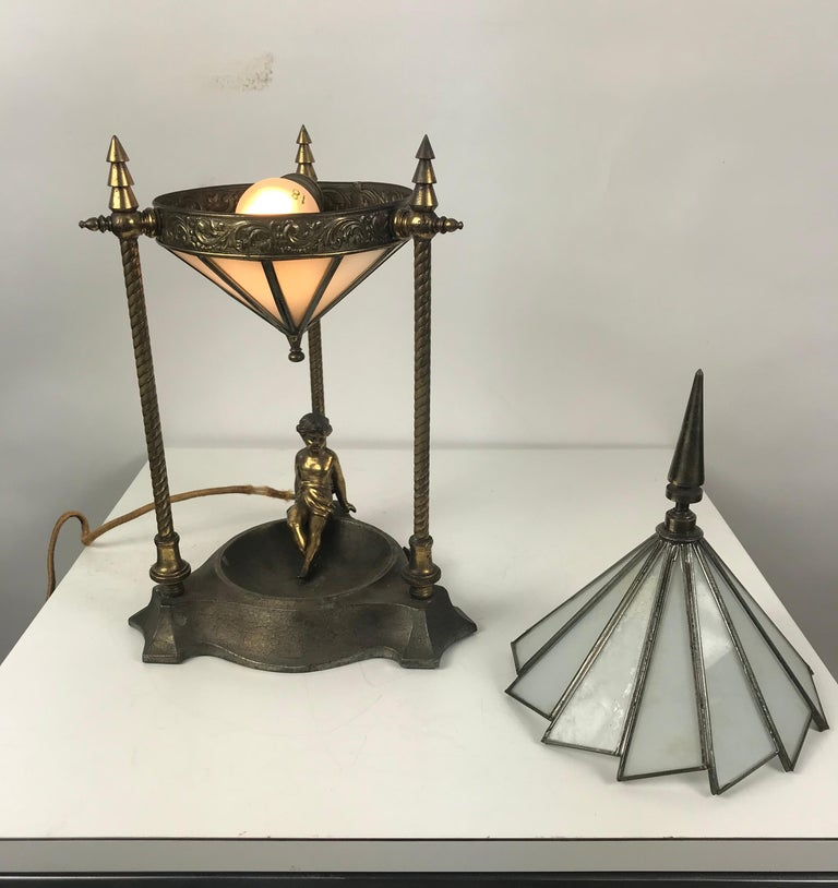 Classic Art Deco Boudoir Lamp Stunning Ziggurat Leaded Shade For Sale 4