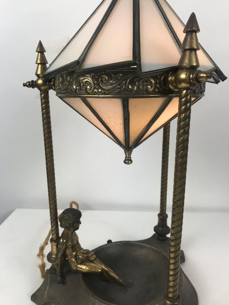 Classic Art Deco Boudoir lamp with stunning ziggurat leaded