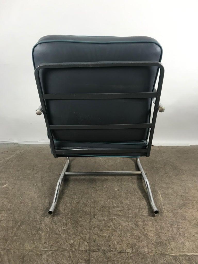 Mid-20th Century Classic Art Deco, Bauhaus Tubular Chrome Lounge Chair For Sale