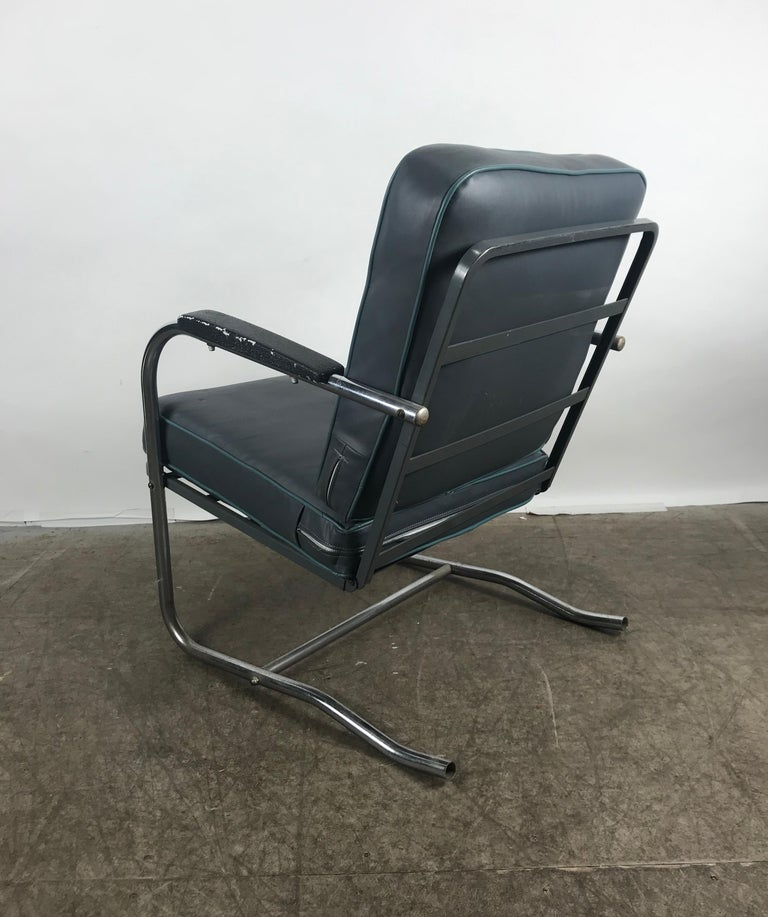 Classic Art Deco, Bauhaus Tubular Chrome Lounge Chair For Sale 1