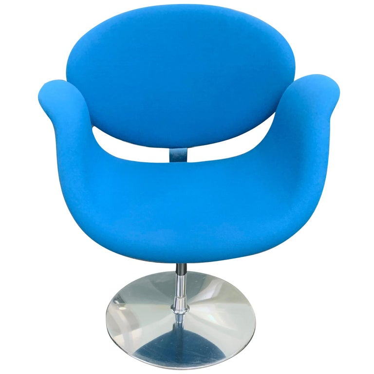 Classic Artifort Swivel Blue Little Tulip Armchair in Fabric For Sale