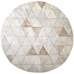 Cream lasered Round Customizable Trilogia Cowhide Area Rug Small