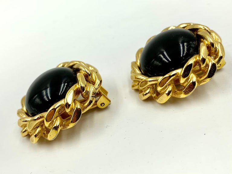 Women's or Men's Classic Christian Dior Chain Link Faux Black Onyx Earrings, Vintage, 1980s For Sale
