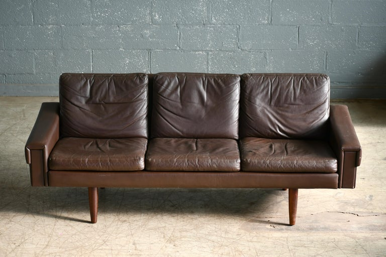 Mid-Century Modern Classic Danish 1960s Midcentury Sofa in Chestnut Colored Leather by Georg Thams For Sale