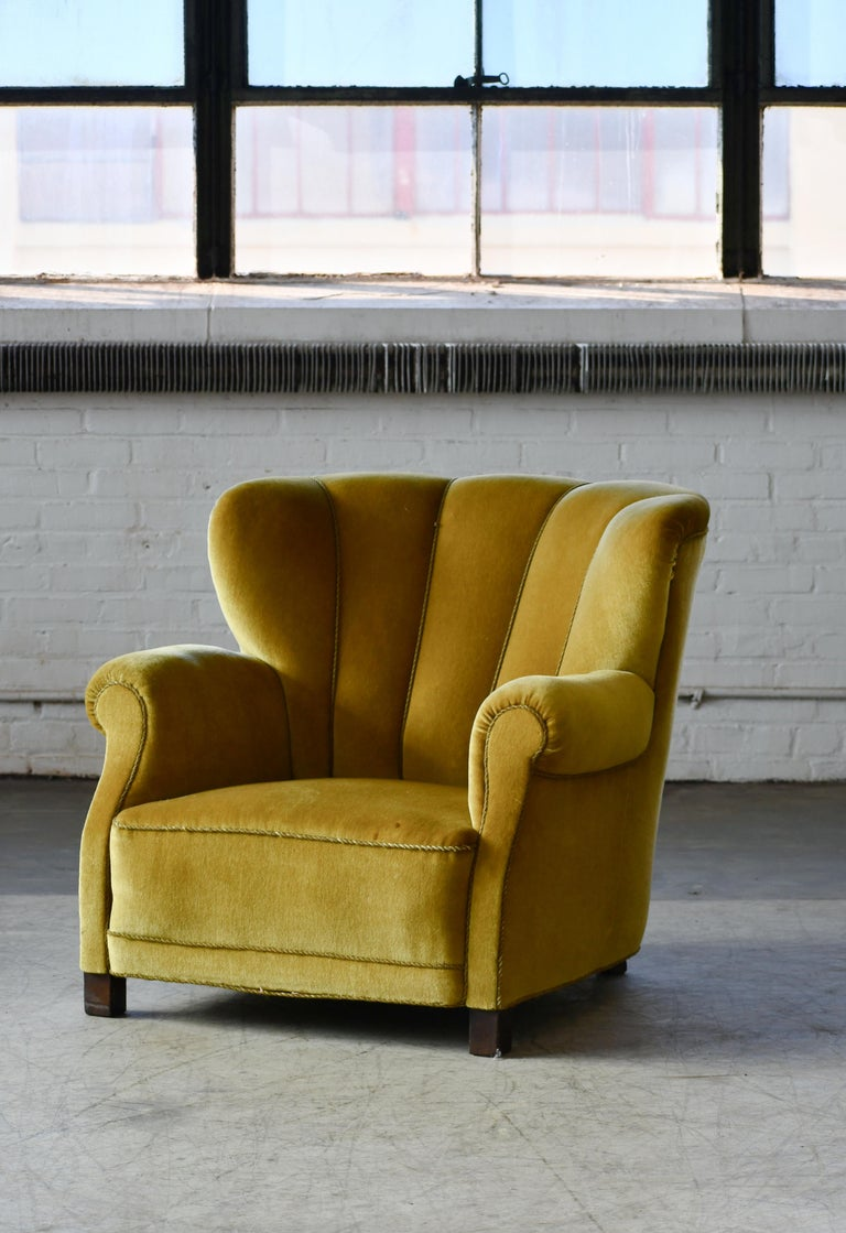Mid-Century Modern Classic Danish Large-Scale Club or Lounge Chair Model 1518 by Fritz Hansen Made For Sale
