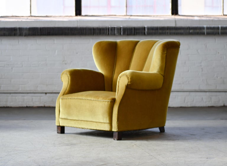 Mohair Classic Danish Large-Scale Club or Lounge Chair Model 1518 by Fritz Hansen Made For Sale