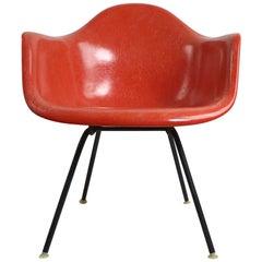Classic Eames Fiberglass Chair