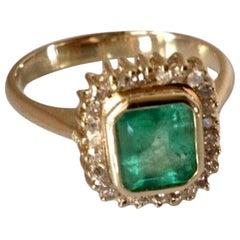 Classic Emerald Diamond Ring 18 Karat Gold