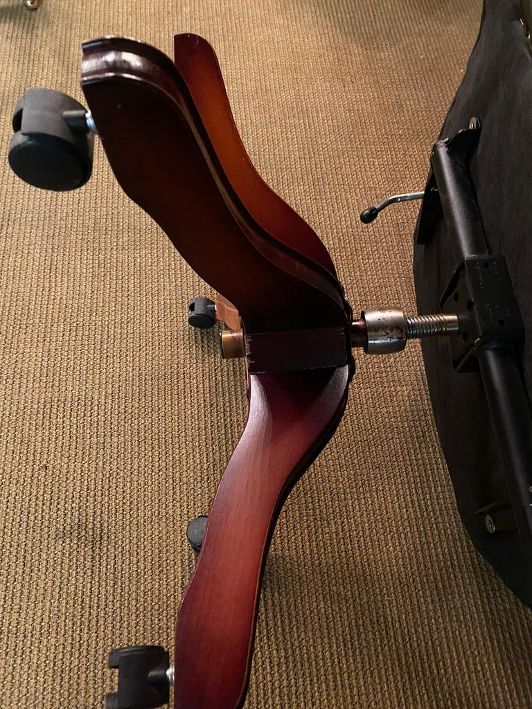 Classic English Chesterfield Captains Office Chair Swivel and Tilt on Castors For Sale 8