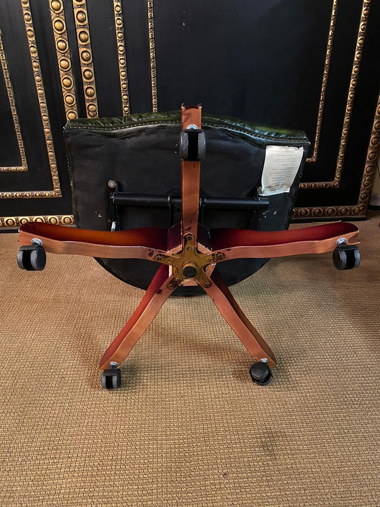 Classic English Chesterfield Captains Office Chair Swivel and Tilt on Castors For Sale 10