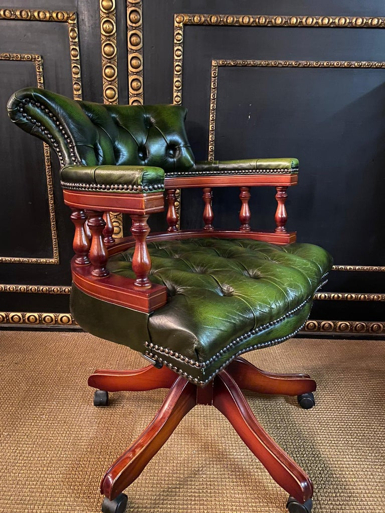 Classic English Chesterfield Captains Office Chair Swivel and Tilt on Castors For Sale 1