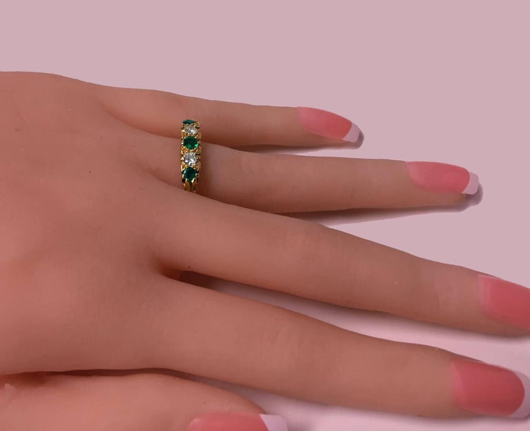 Classic English Diamond Emerald Carved Gold Ring For Sale 1