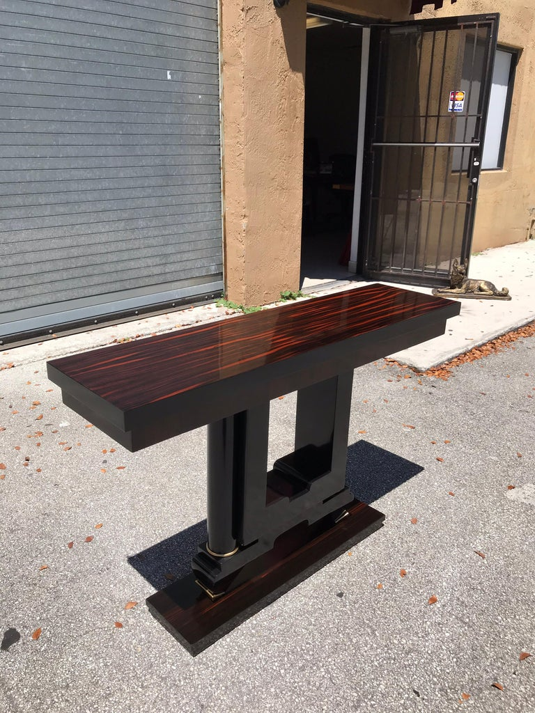 Classic French Art Deco Exotic Macassar Console Table, 1940s In Good Condition For Sale In Hialeah, FL