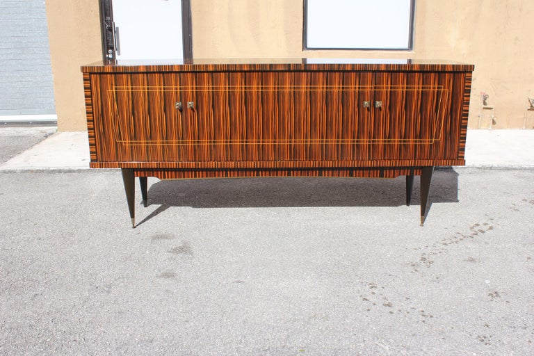Classic French Art Deco Exotic Macassar Ebony Sideboard / Buffet / Bar 1940s For Sale 7