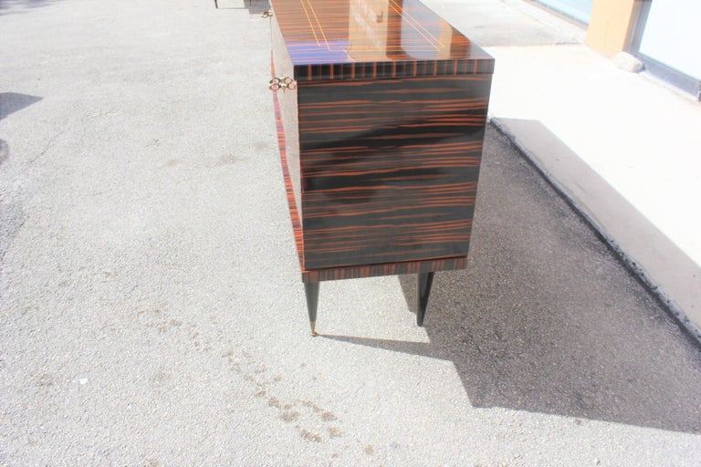 Classic French Art Deco Exotic Macassar Ebony Sideboard / Buffet / Bar 1940s For Sale 9