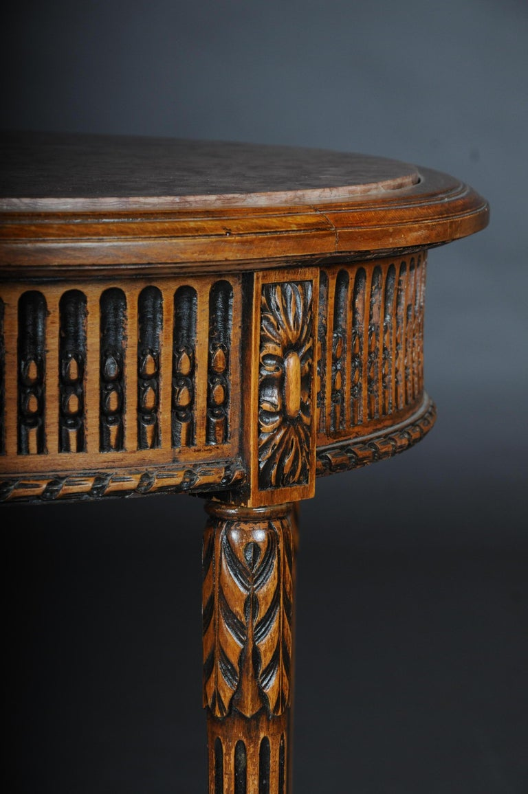 Classic French Side Table in Louis XVI, Beechwood In Good Condition For Sale In Berlin, DE