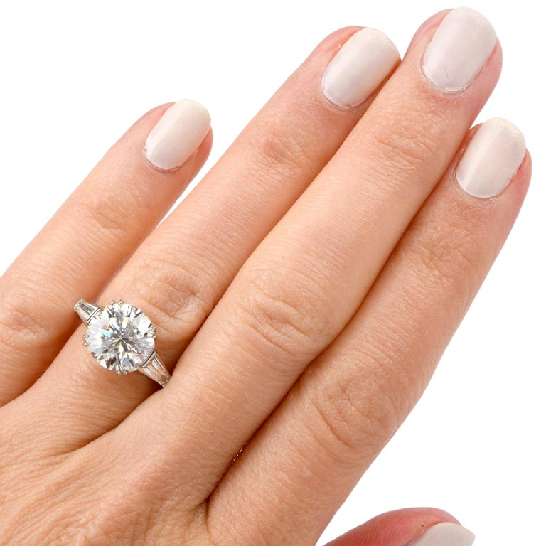 Classic GIA 4.87cts F color SI1 Clarity Round & Baguette Diamond Platinum Engage For Sale 2
