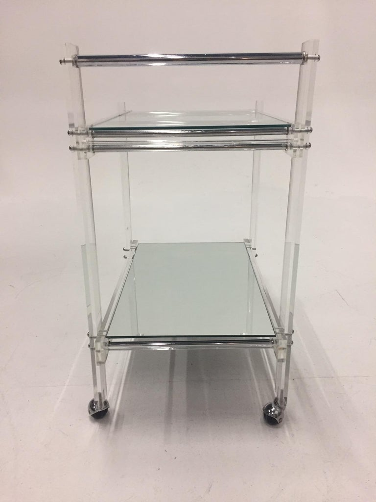 Classic Glam Mid-Century Modern Lucite Bar Cart For Sale 1