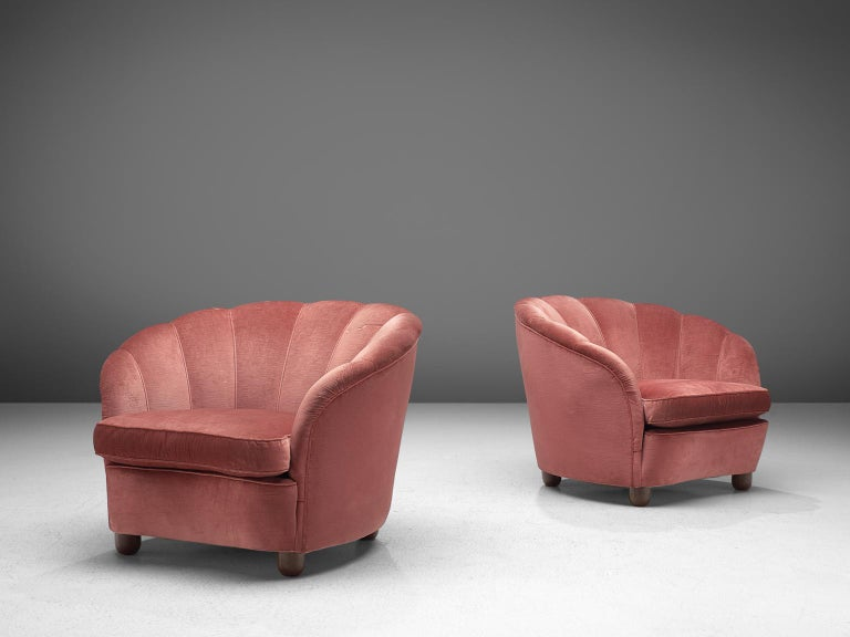 Classic Italian Pair of Club Chairs in Pink Velvet In Good Condition For Sale In Waalwijk, NL