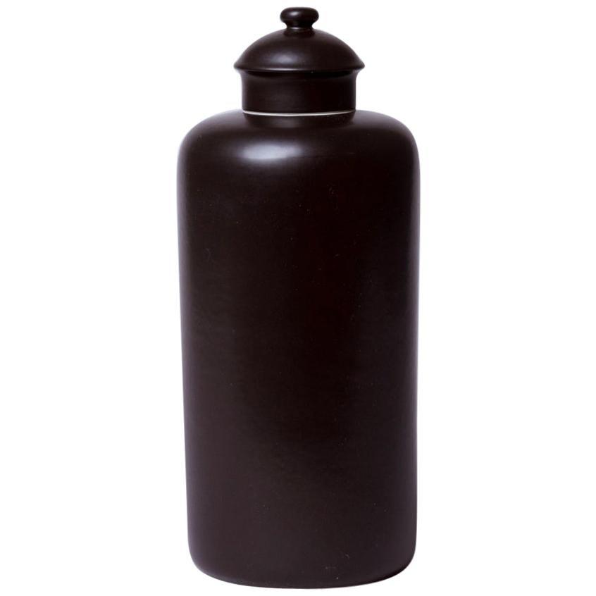 Classic Lidded Porcelain Urn in Matte Black