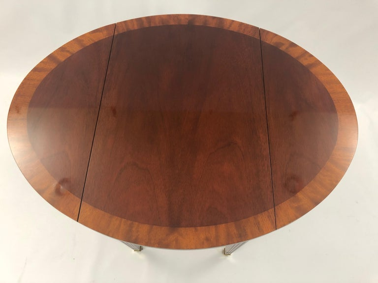 Classic Mahogany Banded Inlaid Pembroke Side Table For Sale 5