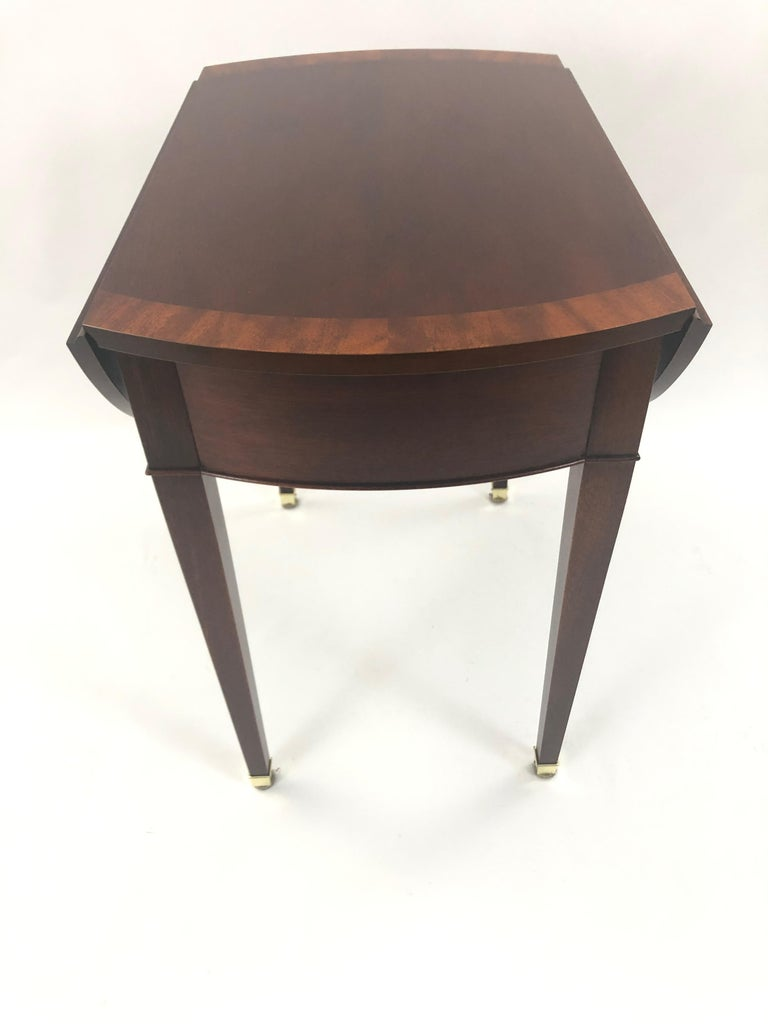 Classic Mahogany Banded Inlaid Pembroke Side Table For Sale 6