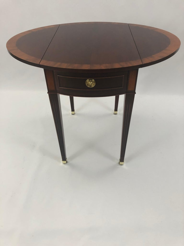 Classic Mahogany Banded Inlaid Pembroke Side Table For Sale 2