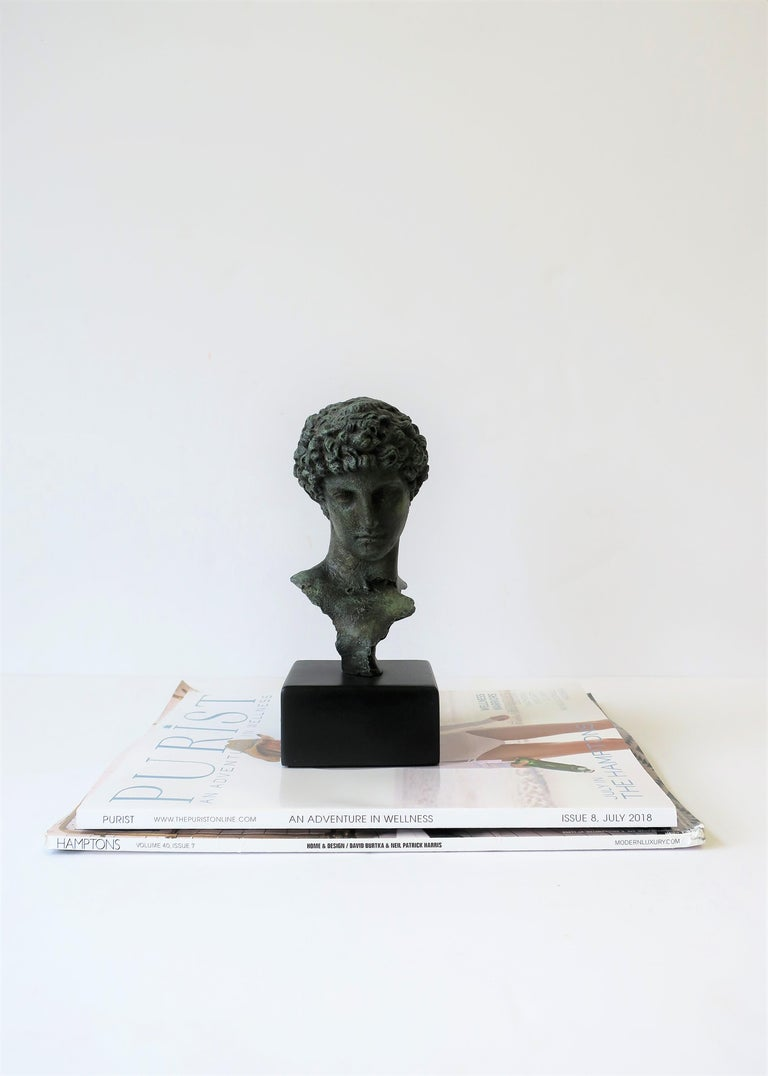 Classic Male Bust Sculpture on Black Base In Excellent Condition For Sale In New York, NY
