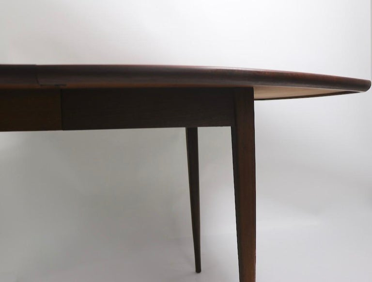 Classic Mid Century Dining Table In Good Condition In New York, NY